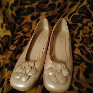 Karen Scott beige pearl ballet flats